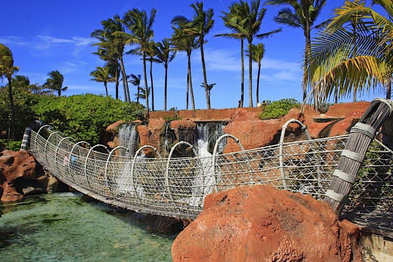 Hangbrug in Atlantis-toevlucht in Nassau, de Bahamas stock foto's