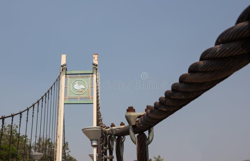 Hangbrug boven rivier Wang Lampang, Thailand royalty-vrije stock afbeeldingen
