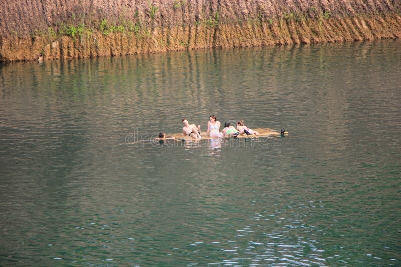 Hangdong峡谷chiangmai 从老挖掘红土带的Resevoir 库存照片