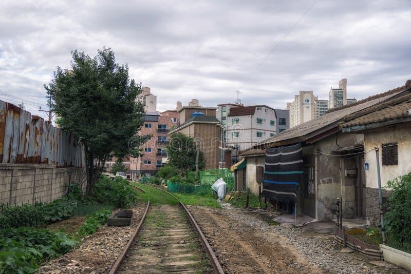 Hangdong abandonou a estrada de ferro imagem de stock royalty free