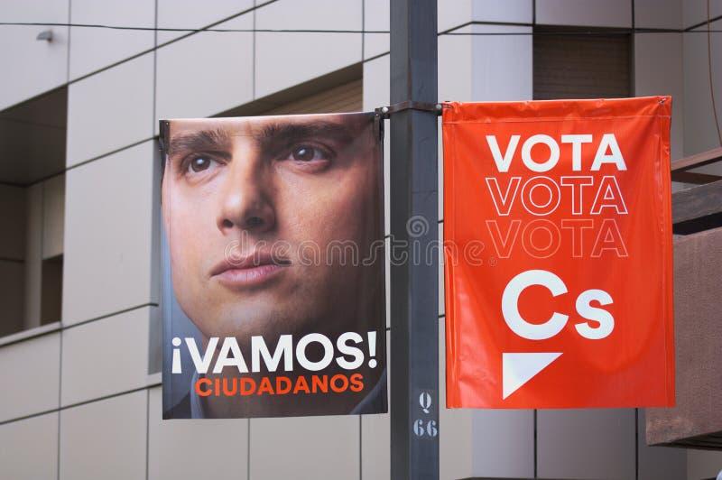 Hangende banner voor de kiespropaganda van de Spaanse partijburgers royalty-vrije stock foto's