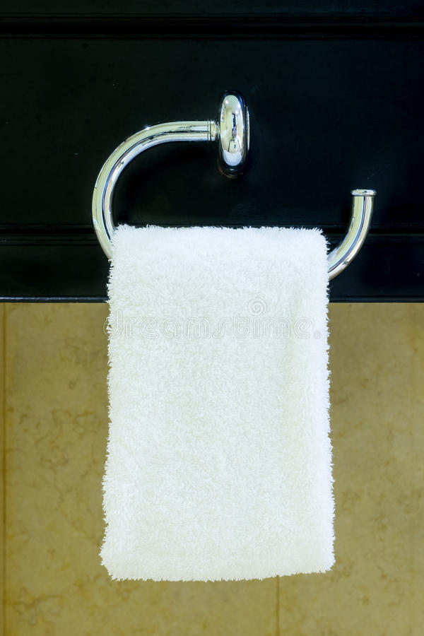 Download Hangende Handdoek stock foto. Afbeelding bestaande uit nieuw - 54082540
