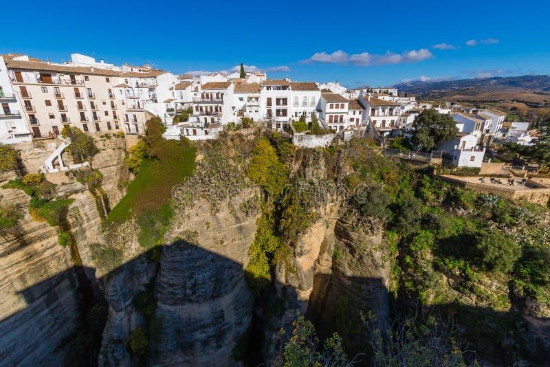Hangende huizen in Ronda, Malaga, Spanje stock foto's