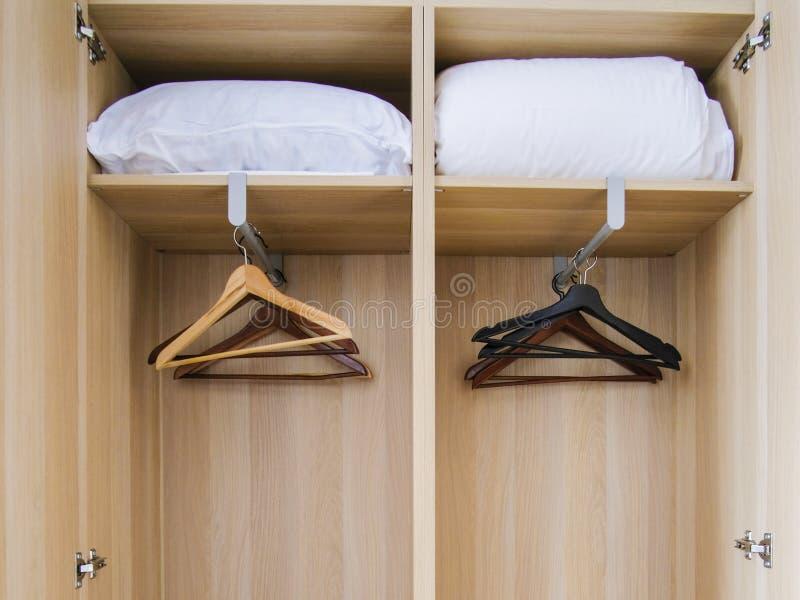 Hangers op een haak royalty-vrije stock foto