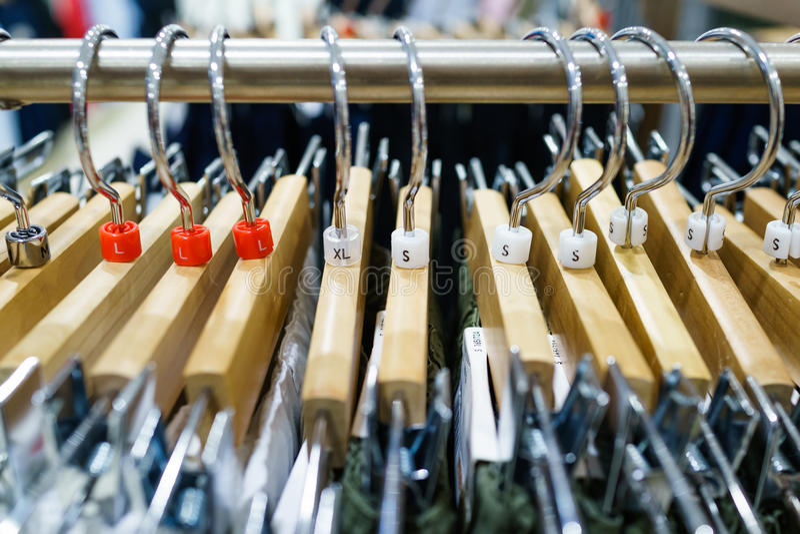 Kleerhangers stock fotografie
