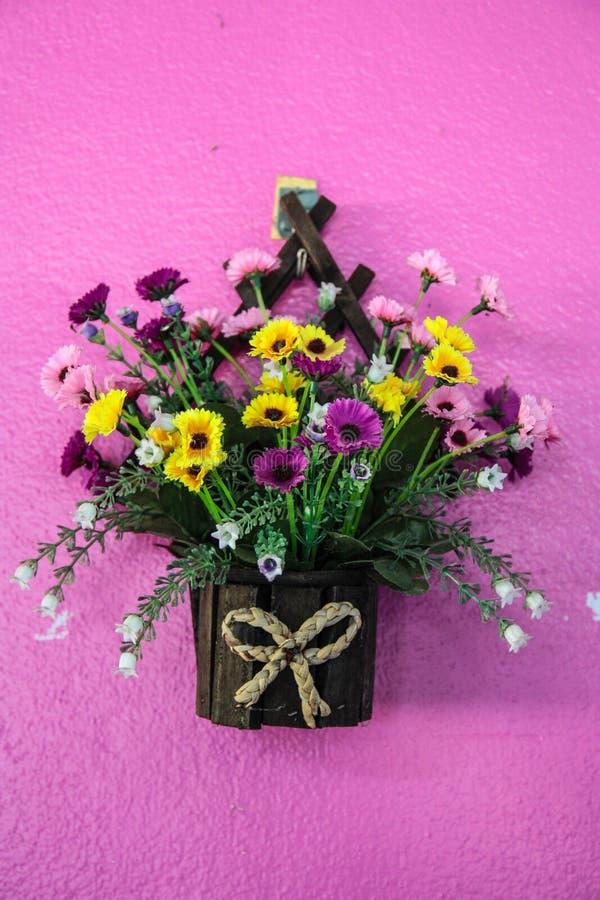 Free Hanging Basket Full Of Spring Pansies Royalty Free Stock Photos - 43236458