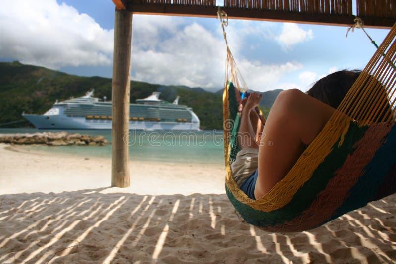 Hangmat en het Schip van de Cruise royalty-vrije stock foto's