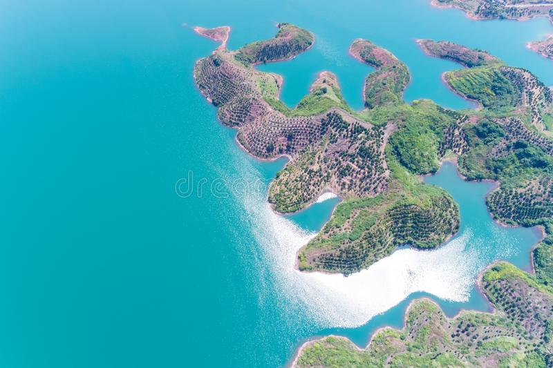 Hangzhou mille laghi dell'isola al sole immagine stock