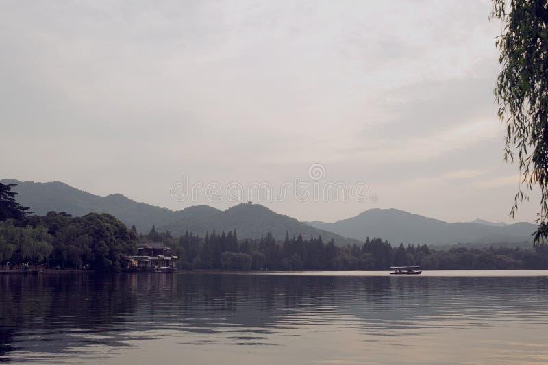 hangzhou Soirée au lac photographie stock libre de droits