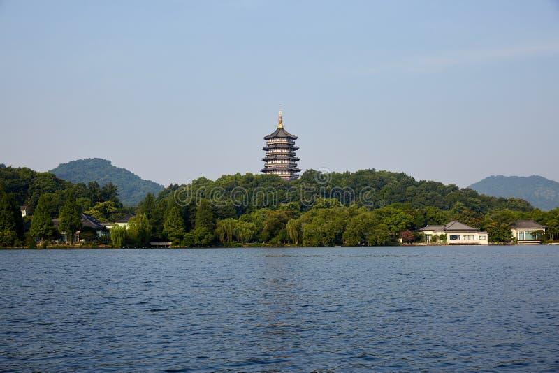 Hangzhou Zachodni jezioro i Leifeng wierza Zhejiang, Chiny obrazy royalty free