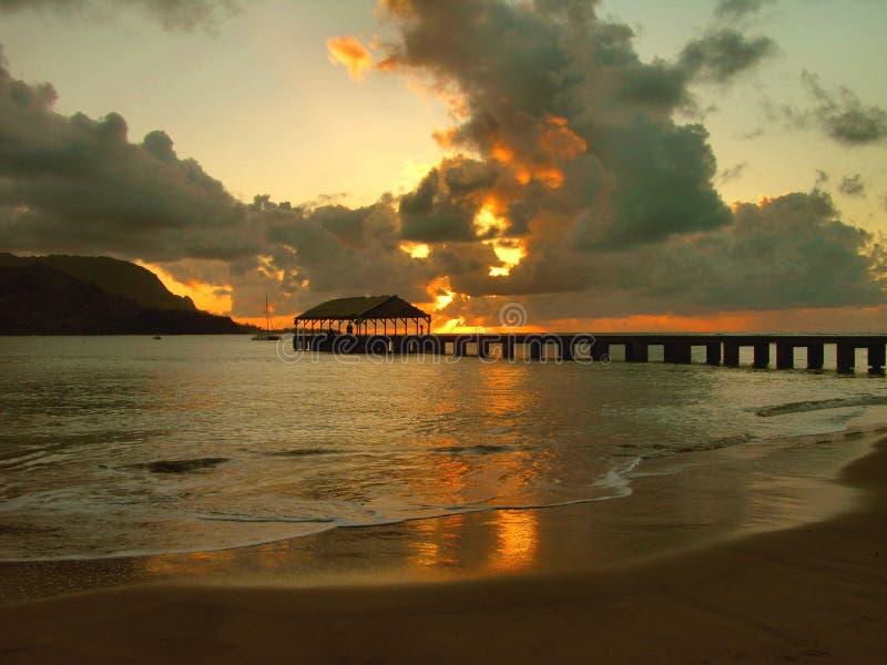 hanlalei kauai сумрака залива стоковая фотография