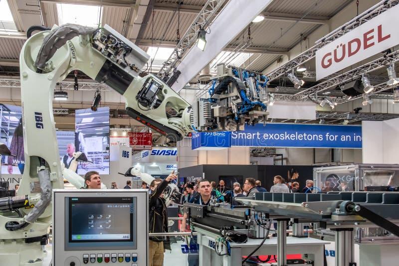 Hannover, Alemanha - 2 de abril de 2019: O IBG est? apresentando suas inova??es mais novas no Hannover Messe imagem de stock