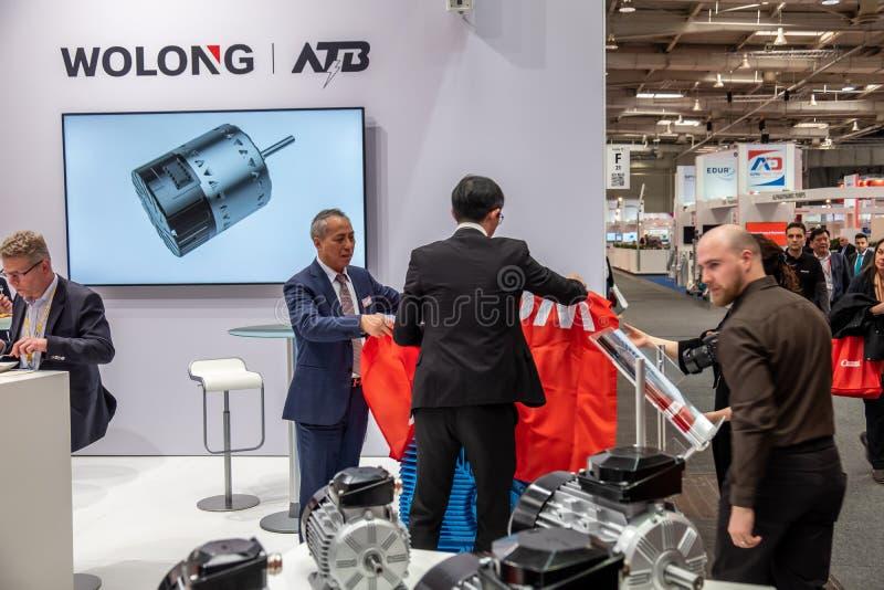 Hannover, Alemanha - 2 de abril de 2019: Wolong est? apresentando as inova??es as mais novas na FEIRA de HANNOVER fotos de stock royalty free