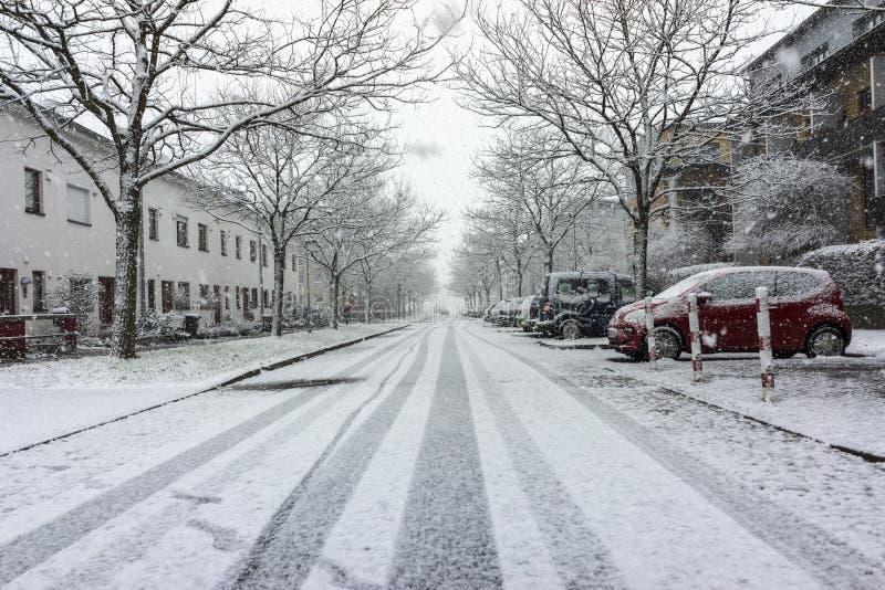 Hannover gatasikt på vinterdagen arkivfoton