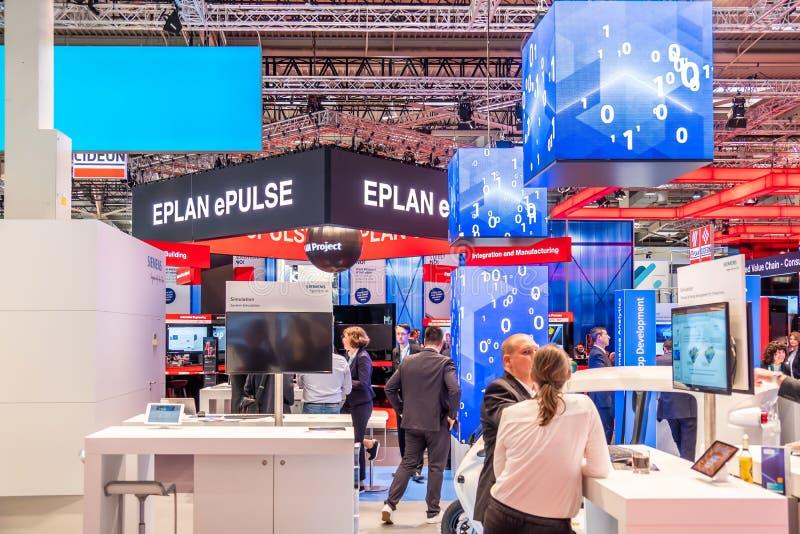 Hannover, Germania - 2 aprile 2019: EPlan sta visualizzando le nuove innovazioni a Hannover Messe fotografie stock libere da diritti