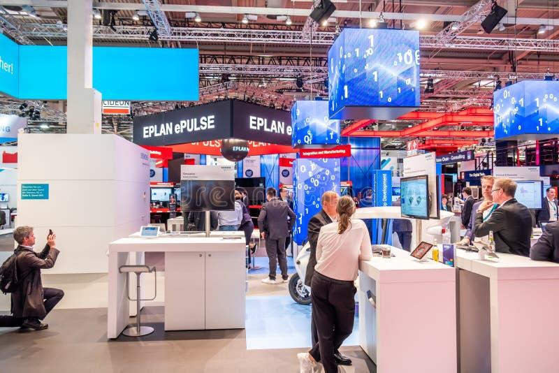 Hannover, Germania - 2 aprile 2019: EPlan sta visualizzando le nuove innovazioni a Hannover Messe fotografie stock