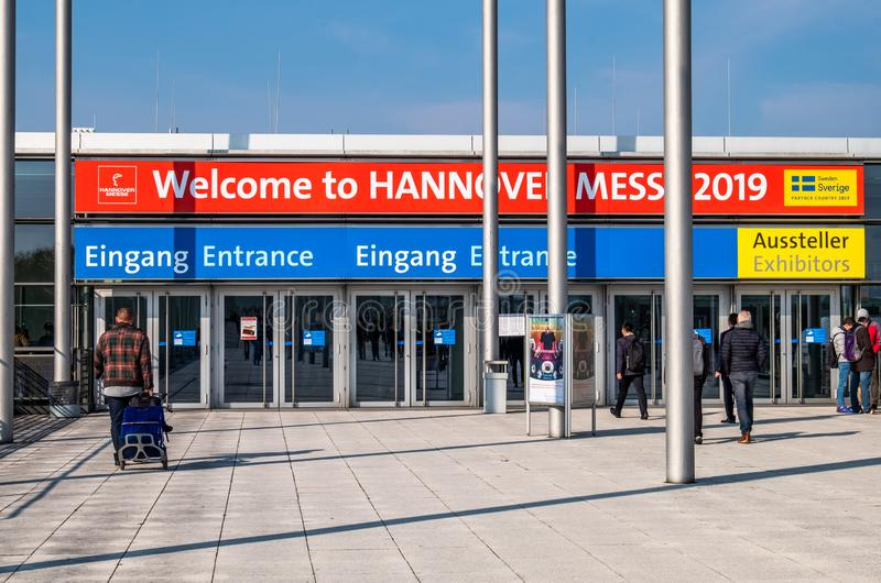 Hannover, Germania - 2 aprile 2019: La FIERA di HANNOVER rimane la vetrina principale del mondo per la tecnologia industriale fotografia stock libera da diritti