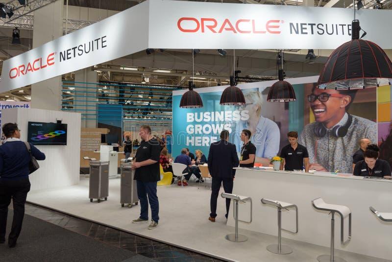 Hannover, Germania - 13 giugno 2018: Impiegati del netsuite di Oracle a fotografie stock libere da diritti