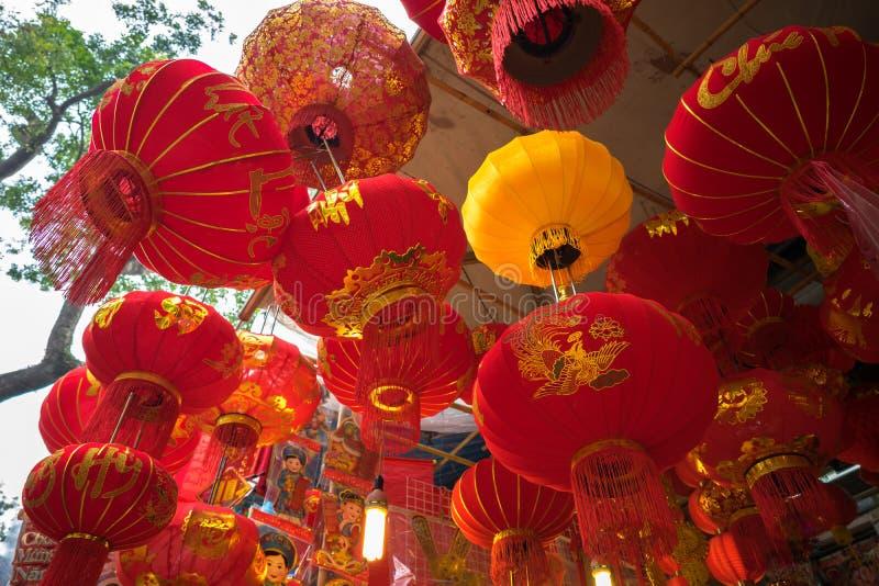 Hanoi, Vietnam - 26 Januari, 2017: De lantaarns van het Tetfestival in Hang Ma-straat, oud kwart, Hanoi, Vietnam stock afbeelding
