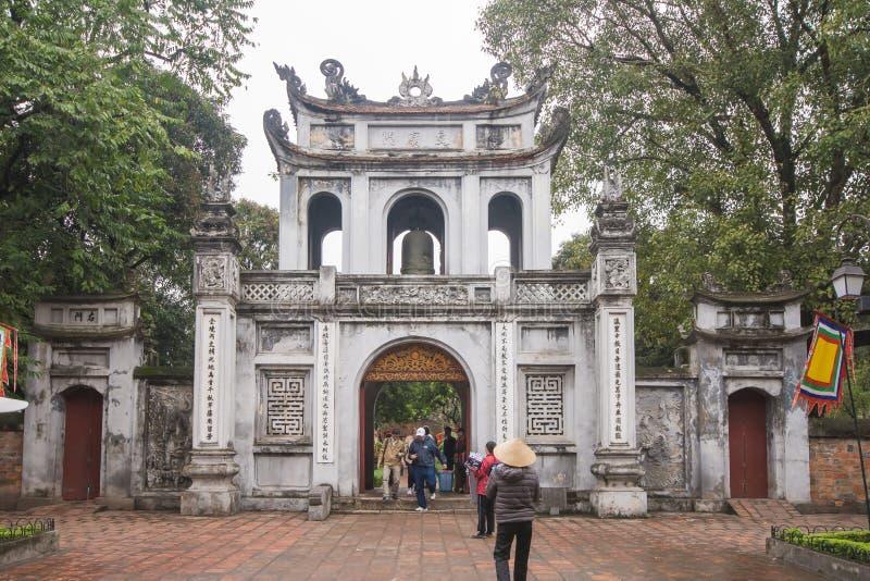 Hanoi Vietnam Mars 12:: Van Mieu eller templet av litteratur är Coll arkivbild