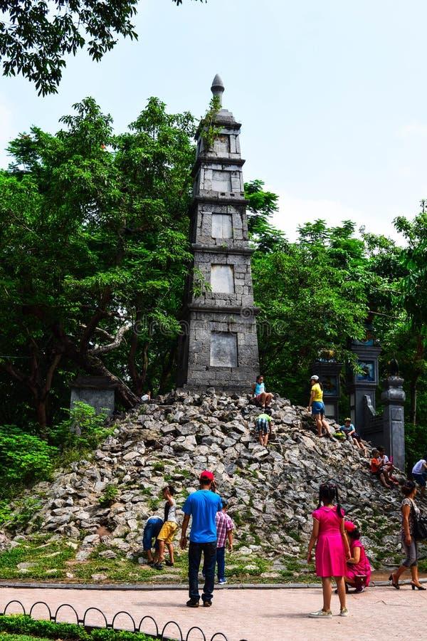 Hanoi Vietname torre da pena do 1º de setembro de 2015 no lago Hoan Kiem, Ha do Noi, Vietname é um dos símbolos de Hanoi imagem de stock