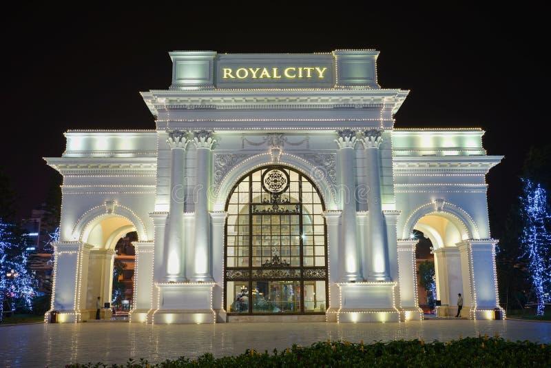 Hanoi Wietnam, Dec, - 28, 2015: Królewski miasto buduje dekoracyjnego wejście podczas bożych narodzeń i nowego roku okresu w Than zdjęcia royalty free