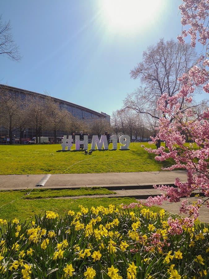 Hanovre, Allemagne - avril 2019 : Signe de Hashtag pour l'édition 2019 de Hanovre Messe dehors sur le champ de foire photos stock