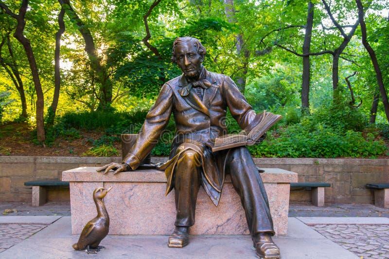 Hans Christian Andersen Statue i Central Park Manhattan royaltyfri fotografi