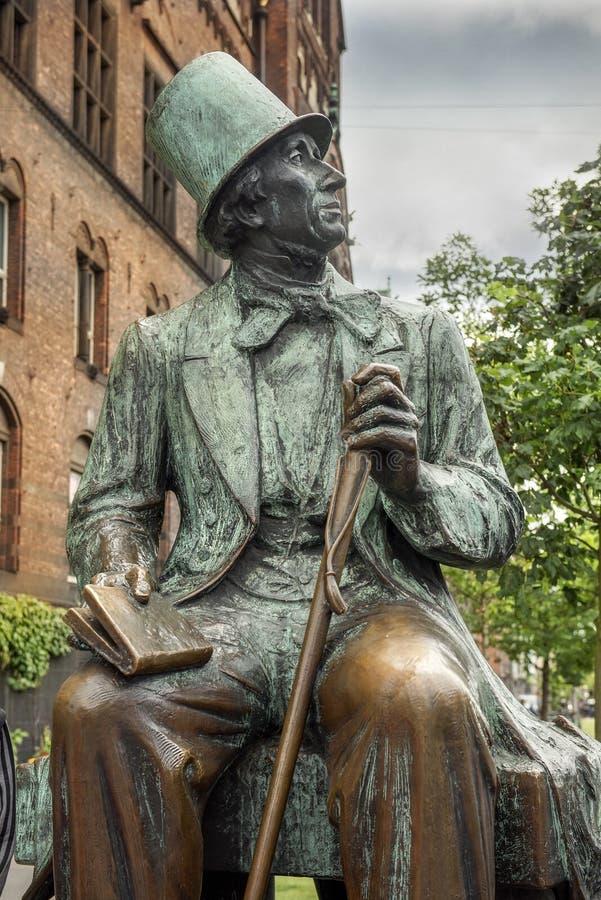 Hans Christian Andersen Statue, Radhuspladsen (Stad Hall Square), Kopenhagen, Denemarken stock foto's