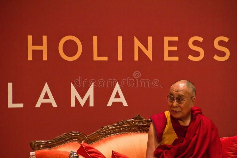 Hans helighet som den 14th Dalai Lama på lyckönskan för Indiaï ¿ ½ s cere royaltyfri bild
