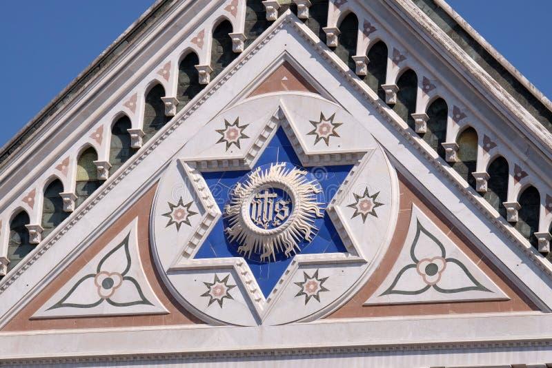 HANS tecken, basilikadien Santa Croce Basilica av helgedomkorskyrkan i Florence, Italien arkivbild