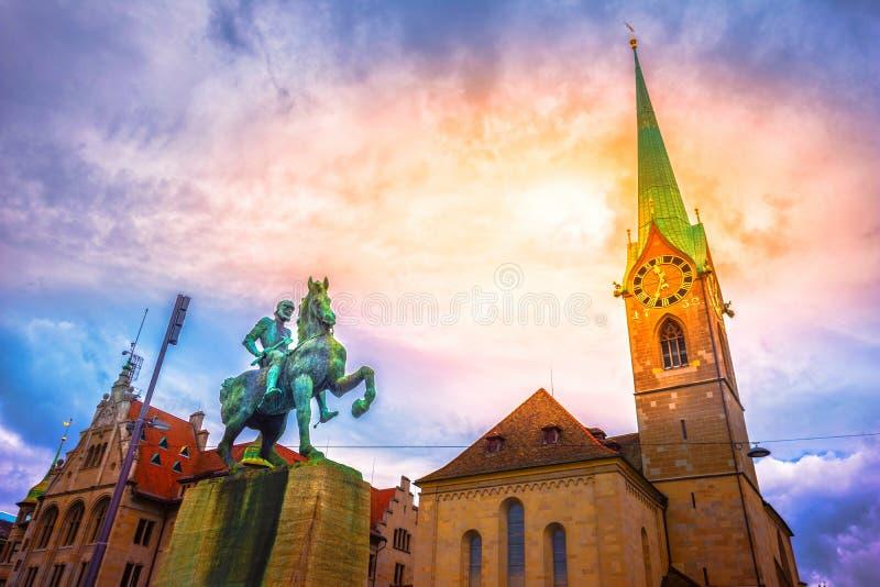 Hans Waldmann-monument en Fraumunster-Kerk, Zürich stock foto's