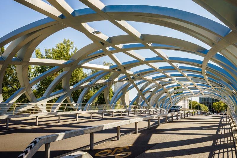 Hans Wilsdorf Bridge in Genève, Zwitserland stock foto's