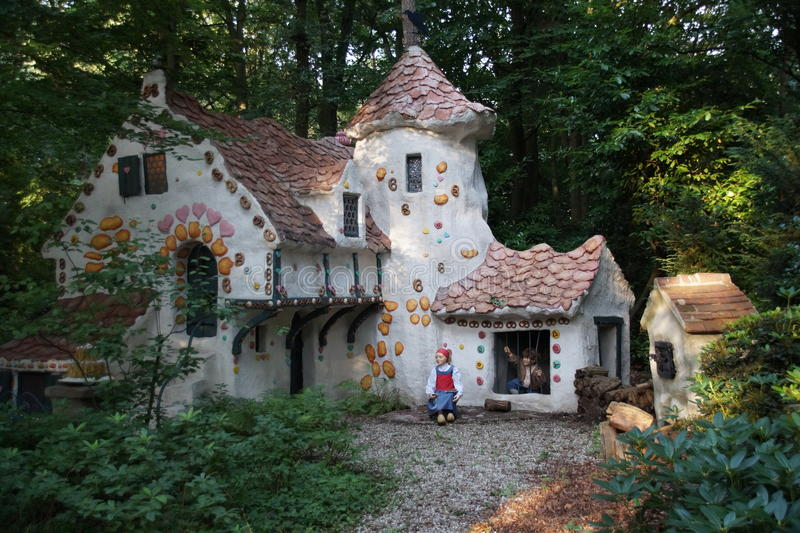 List of synonyms and antonyms of the word hansel and for Hansel and gretel house plans