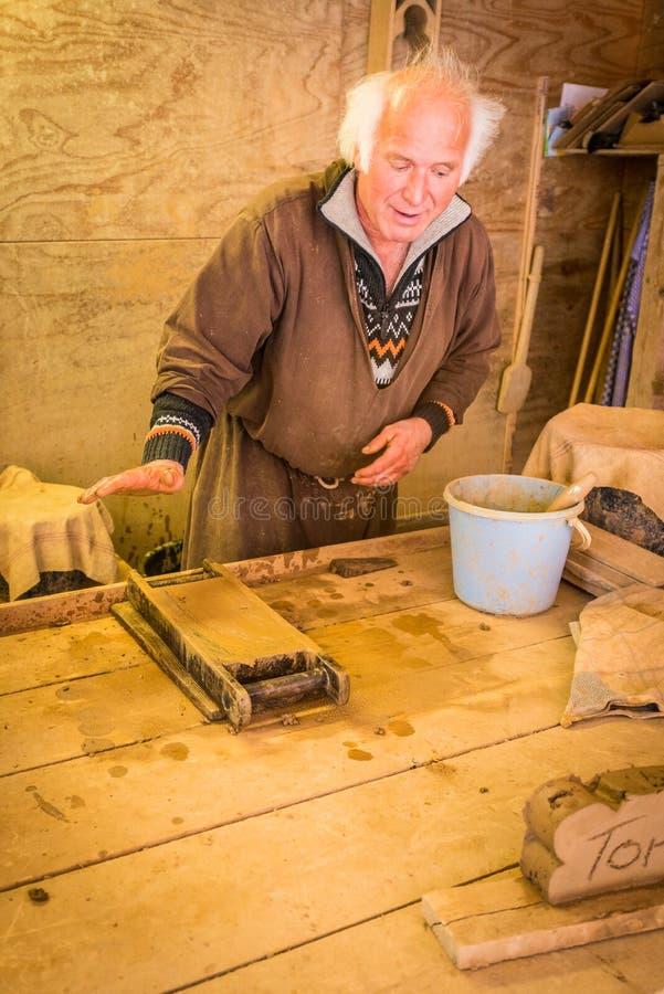Hantverkare i den St Mary s kyrkan i Wismar, Tyskland royaltyfri foto