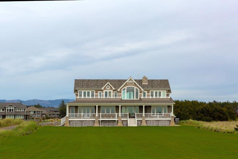 Hantverkare Style Homes på Washington Coast royaltyfri fotografi