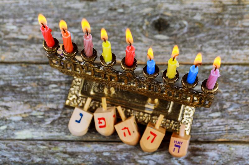 Hanukkah Chanukah Żydowski wakacyjny tło z Hanukah Chanukkah menorah judaizmu kandelabrami pali świeczki, tradycyjny i obrazy stock