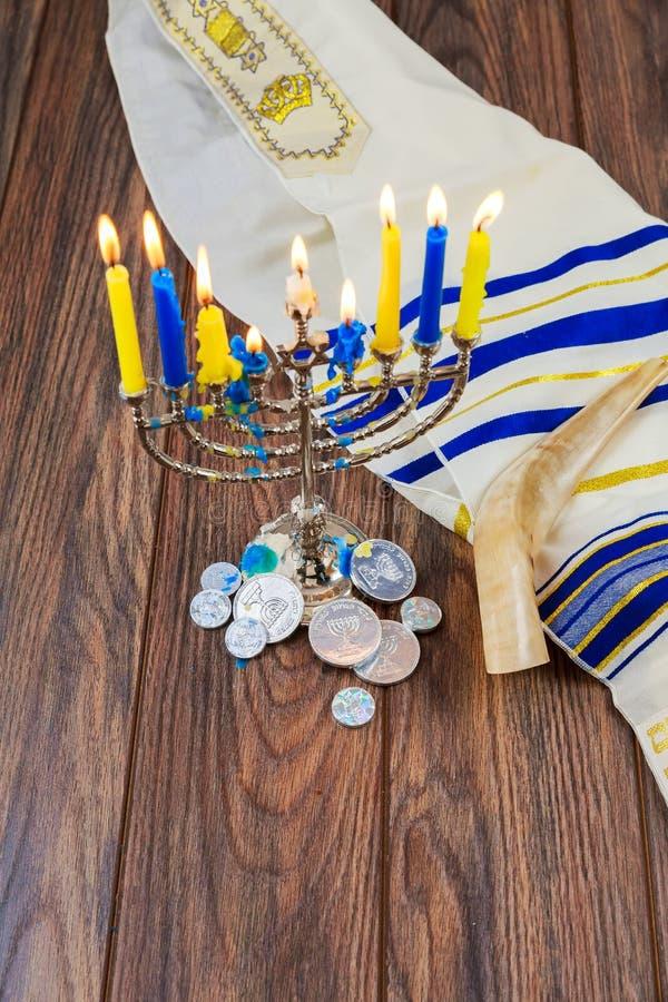 Hanukkah Żydowscy festiwalu świateł menorah świeczek wakacje zdjęcie stock
