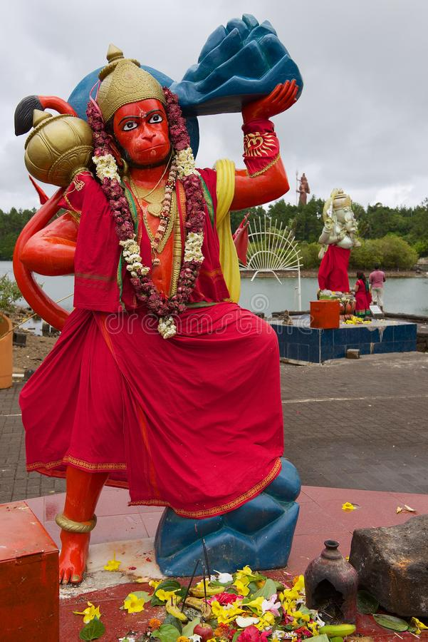 Hanuman Hindu gudstaty på Ganga Talao den storslagna Bassin hinduiska templet, Mauritius royaltyfria bilder