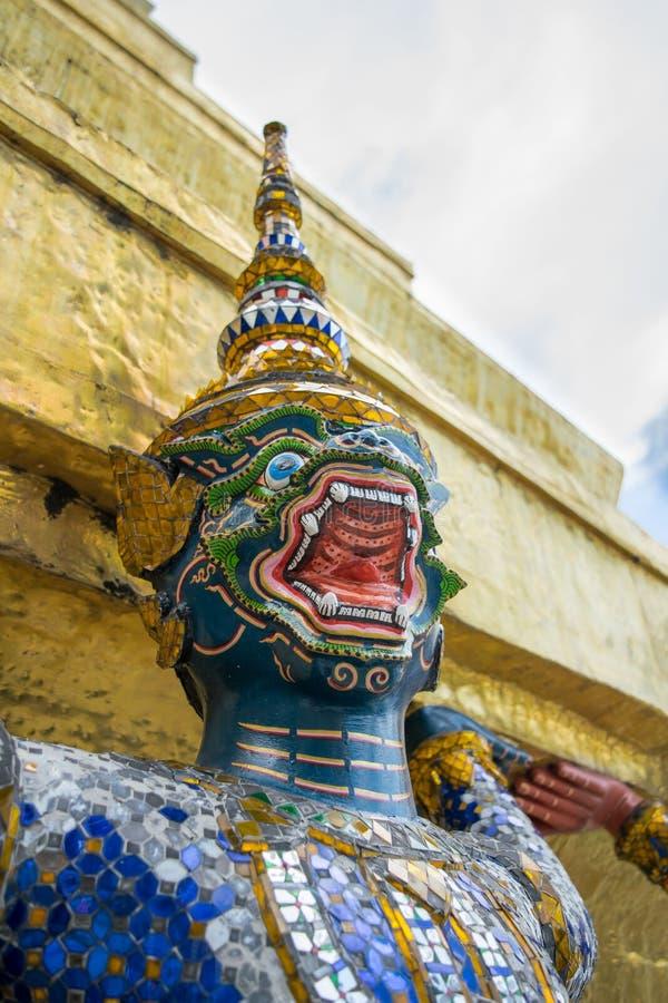 Hanuman verde levou o pagode grande fotos de stock