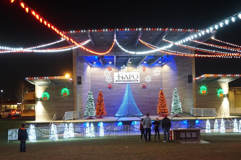 HAPO Electric Winter Wonder Land: Luci di Natale nella città di Richland immagini stock
