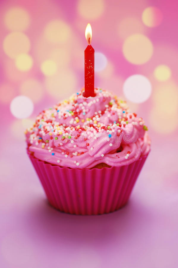 Free Happy Birthday Cupcake Royalty Free Stock Photo - 12694525