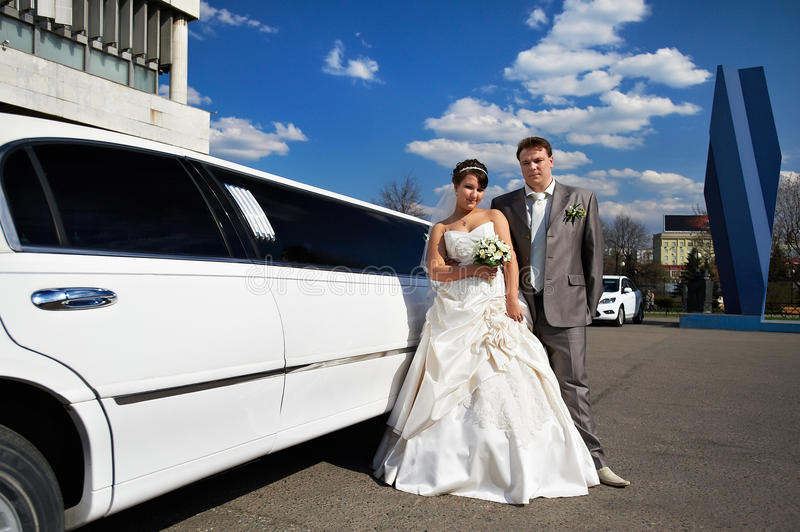 Download Happy Bride And Groom Near Wedding Limo Stock Image - Image: 20233063
