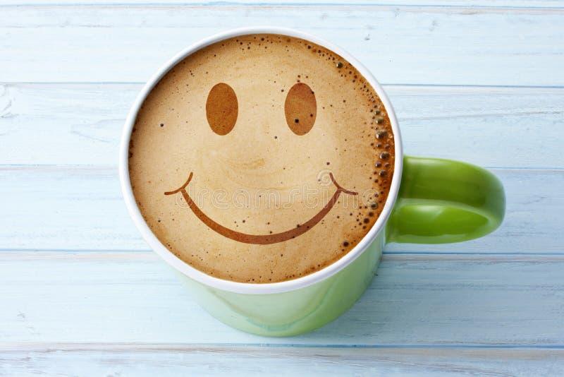 Happy Coffee Cup Smiley Face stockfotos