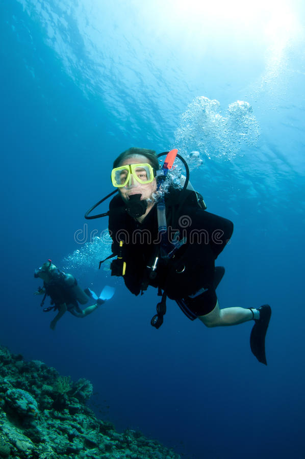 Download Happy Couple Scuba Dive Together Stock Image - Image: 18916917