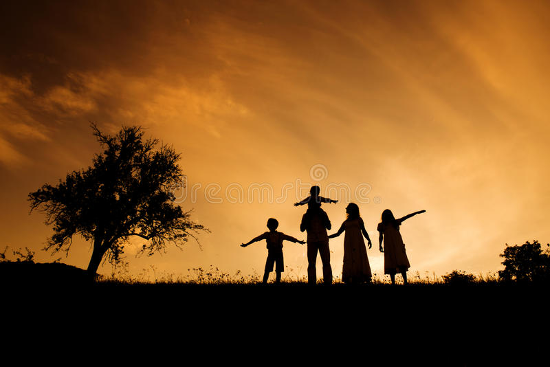 Download Happy Family Royalty Free Stock Images - Image: 33401899