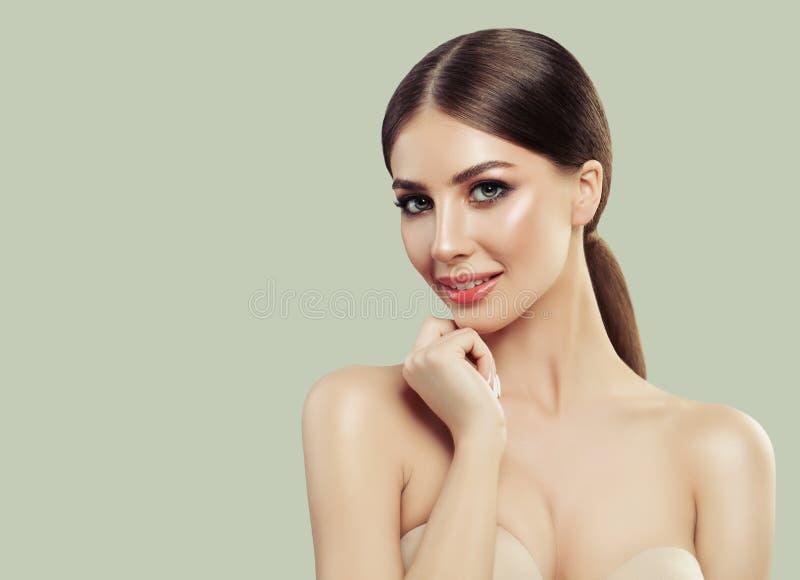 Happy Girl Spa ModelSmiling, Schoonheidsportret stock afbeelding