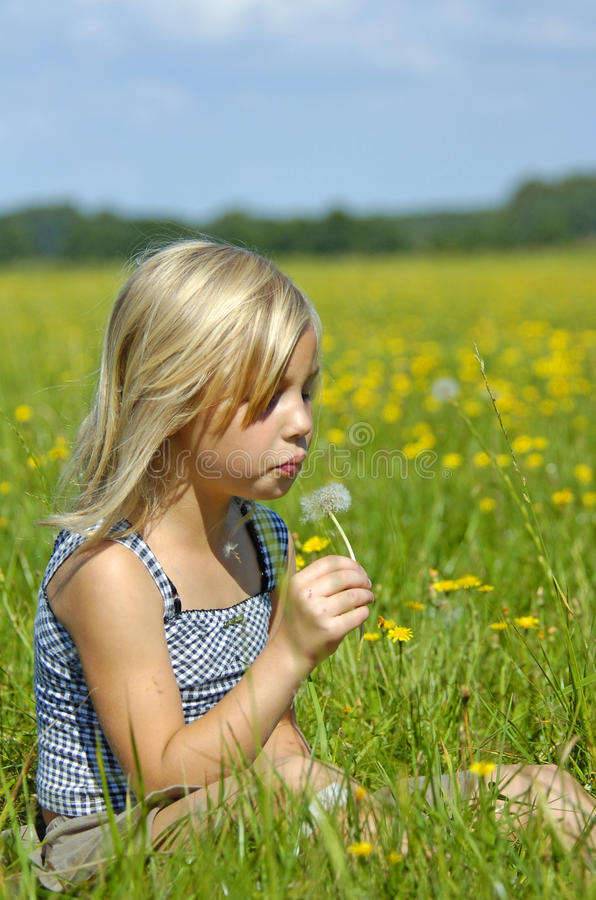 Free Happy Girl With Dandilion Royalty Free Stock Image - 10660986