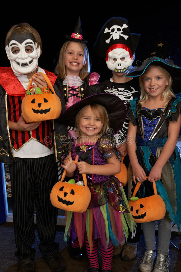 Free Happy Halloween Party Trick Or Treating Stock Photography - 18046882