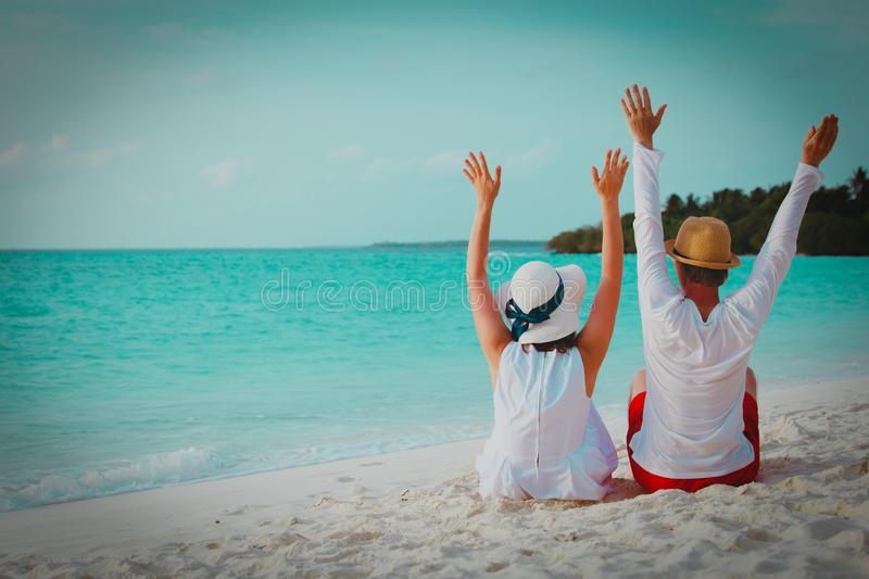 Happy loving couple on tropical beach vacation royalty free stock images